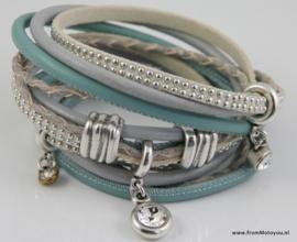 Handgemaakte leren armband lichtblauw en grijs diverse bandjes