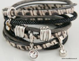 Handgemaakte leren armband zwart wit leer diverse bandjes