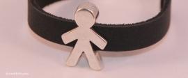 Handgemaakte leren jongens armband zwart leer met metalen schuiver
