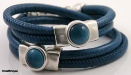 Handgemaakte leren armband blauw met blauwe polaris