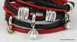 Handgemaakte leren armband rood en zwart diverse bandjes