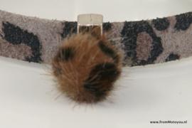 Armband luipaardprint grijs met magneetsluiting