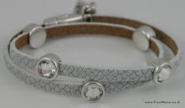 Leren wikkelarmband wit met metalen schuivers swarovski
