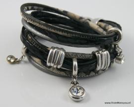 Handgemaakte leren armband zwart/beige leer diverse bandjes