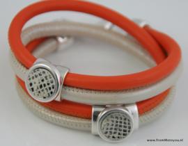 Handgemaakte leren armband oranje en wit leer