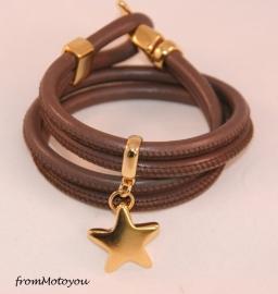Stars on Colourz leren armband cappucino met ster bedel