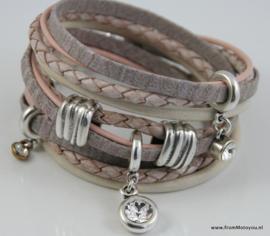 Handgemaakte leren armband roze en wit diverse bandjes