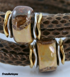 Handgemaakte leren armband bruin snake met keramiek