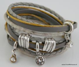 Handgemaakte leren armband grijs wit en geel leer diverse bandjes