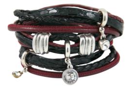Handgemaakte leren armband bordeauxrood en zwart diverse bandjes