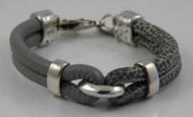 Leren armband lichtgrijs en grijs stippel, maat S