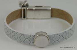 Leren armband wit met metalen schuiver met witte polaris