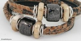 Handgemaakte leren armband snake en zwart met keramiek en metaal