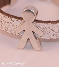 Handgemaakte leren jongens armband wit leer met metalen schuiver