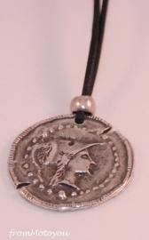 Handgemaakte ketting jongen leer met Romeinse munt bedel
