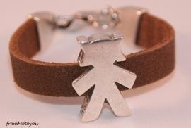 Handgemaakte leren meisjes armband bruin leer met metalen schuiver
