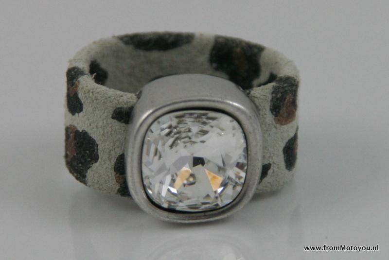 Leren ring luipaardprint lichtgrijs