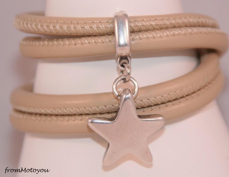 Stars on Colourz beige leren armband met ster bedel