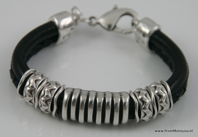 Handgemaakte dames armband zwart snakeprint leer