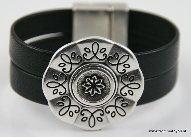 Armband met magneetsluiting met bewerkte schuiver