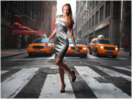 023 Vrouw op zebrapad in New York 400x280  Fotobehang