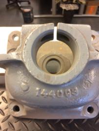 144093 chassissteun/veerhand houder