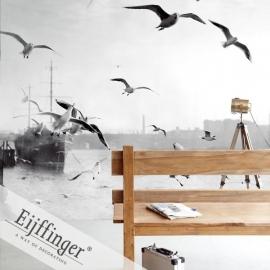 Eijffinger Wallpower Wonders Behang 321507 Thames/Zee/Meeuwen/Boot Fotobehang