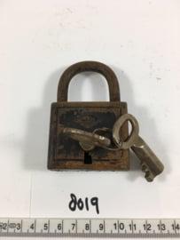 nr. 8019 oud industrieel werkend hangslot