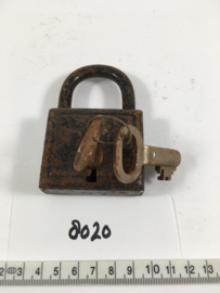 nr. 8020 oud industrieel werkend hangslot