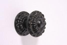 nr.6 deurknop zwart gepoedercoat  van messing