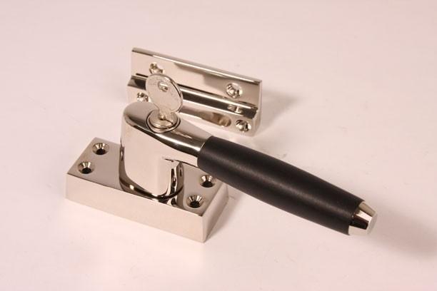 Deurkruk Ton Model.Nr 15 Raamsluiting Links Tonmodel Blinkend Skg Raamvastzetters