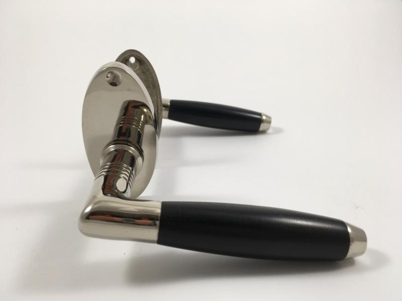 nr.2O tonmodel, blinkend nikkel, ovaal rozet (k)