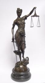 Bronzen vrouwe Justitia 62 cm hoog