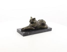 Bronzen liggende kat of poes beeld