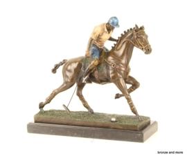 Bronzen polospeler te paard beeld