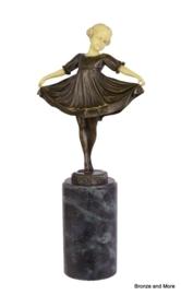 Meisje Lilli bronzen beeld