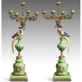 Kandelaars in porselein en brons
