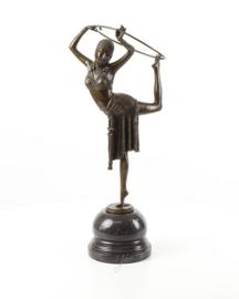 Danseres met hoepel bronzen beeld