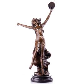 Tamboerijn dansende vrouw beeld