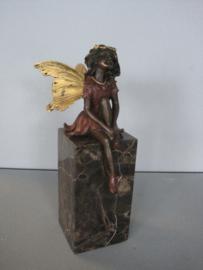 Vijf bronzen elfjes beelden