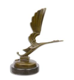 Auto mascotte bronzen ooievaar beeld
