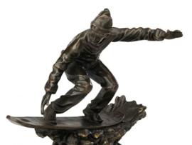 Snowboarder bronzen beeld