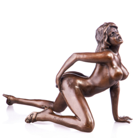 Naakte vrouw op knieën brons beeld