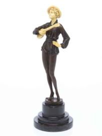 Troubadour muzikant brons beeld