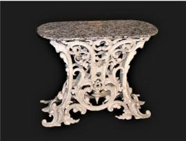 Gietijzeren ovale tafel met marmer