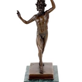 Bronzen beeld dansende Faun