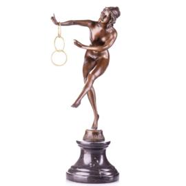 Art-deco bronzen danseres met ringen beeld