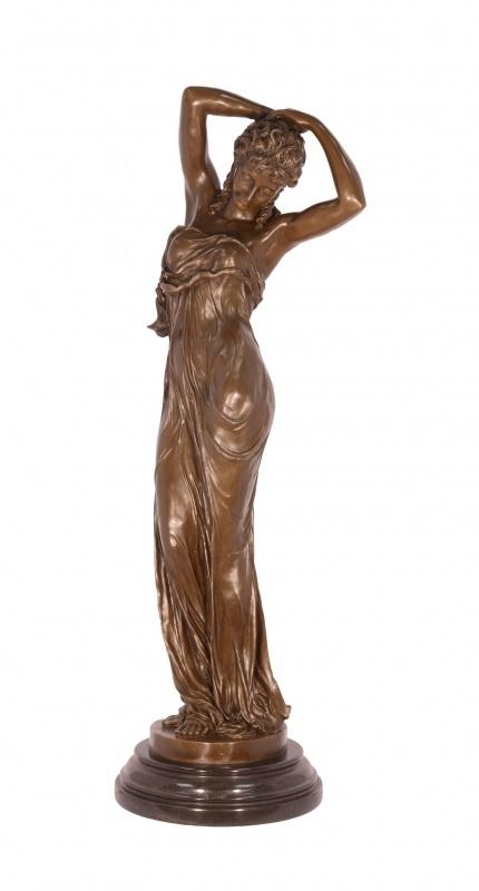 Sierlijk bronzen vrouw beeld