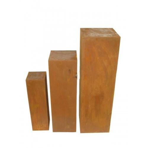 Drie zuilen van Cortenstaal