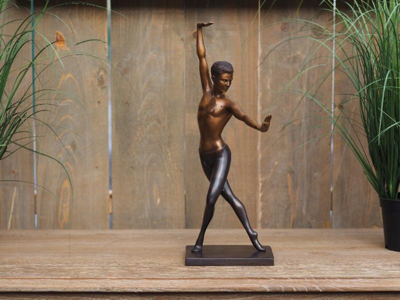Mannelijke ballet danser bronsbeeld